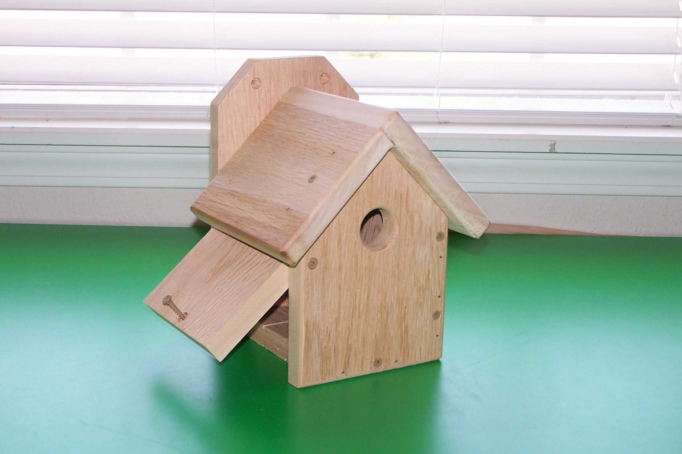 small mounted wren house